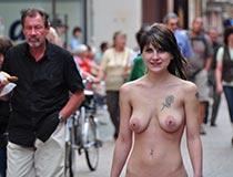 jeamie nudes in public 3